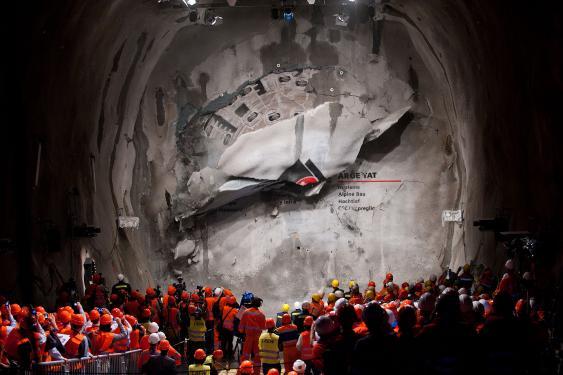 Durchbruch im Gotthard-Basistunnel im Jahr 2010 in Sedrun