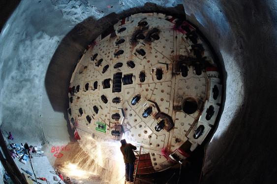 Bohrkopf der Tunnelbohrmaschine in Bodio im Jahr 2002