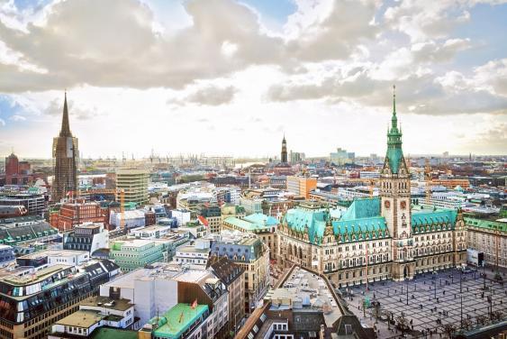 Blick auf den Rathausmarkt in Hamburg