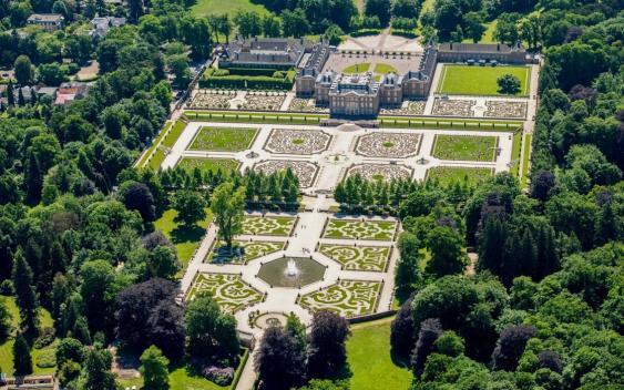 Luftbild von Schloss und Park Het Loo