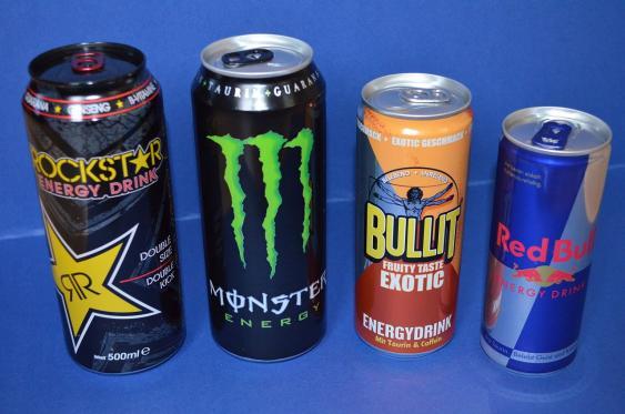 Dosen verschiedener Energy Drinks