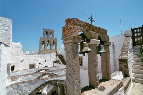 Typische Dorfszene auf einer griechischen Insel