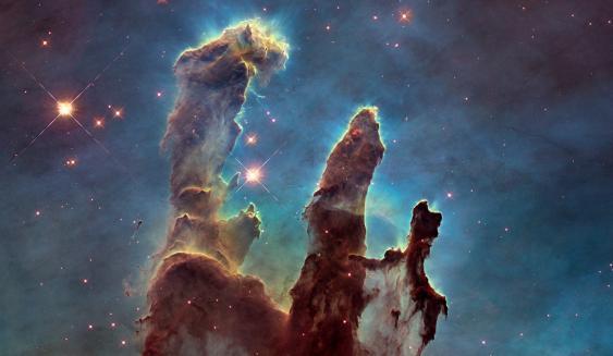 Säulen der Schöpfung im Adlernebel