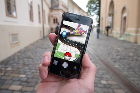 Smartphone Screen mit Pokémon-GO-App
