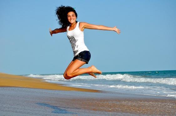 Sportlerin am Strand