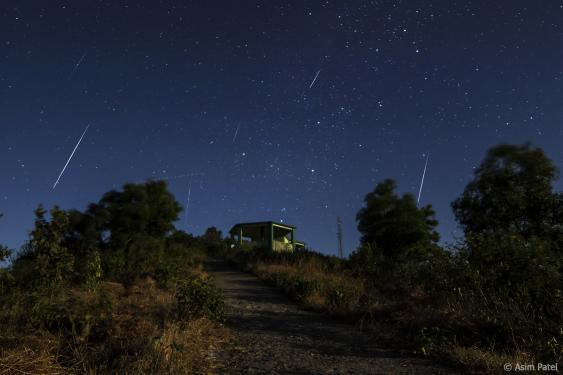 Geminiden am Nachthimmel