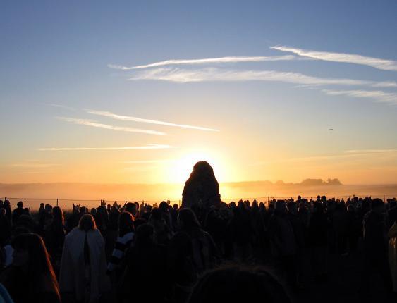 Sonnenaufgang über Stonehenge