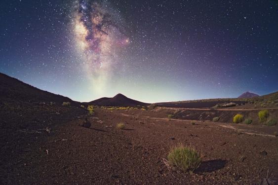 Nächtlicher Sternenhimmel mit Milchstraße, Teneriffa