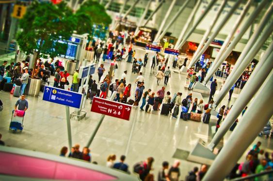 Abflughalle ienes Flughafens