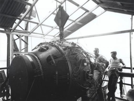 Gadget – die Bombe für den Trinity-Test kurz nach ihrer Fertigstellung.