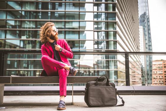 Pinkfarbener Trainingsanzug