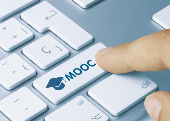 Tastatur mit MOOC-Taste