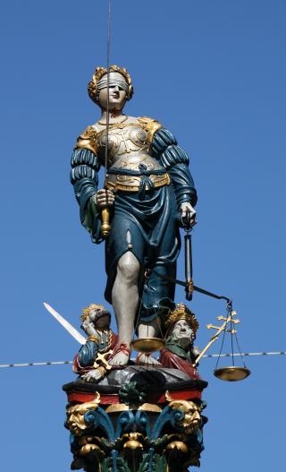 Justitiafigur des Gerechtigkeitsbrunnen in Bern
