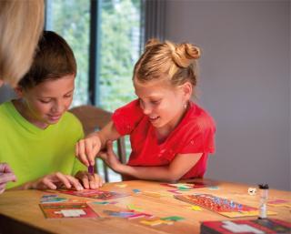 Spielende Kinder (Zwei Mädchen und Junge)