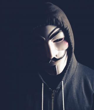 Hoody-Träger mit Guy-Fawkes-Maske