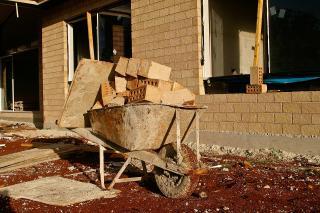 Schubkarre auf einer Baustelle