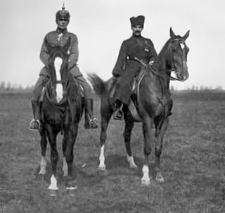 Sie führten Freikorps-Einheiten in den Wirren der Unabhängigkeitskämpfe in Lettland: Rüdiger von der Goltz (links) und Pawel Bermondt-Awaloff.