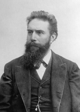 Wilhelm Conrad Röntgen (1900)