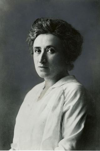 Porträtaufnahme Rosa Luxemburgs, zw 1895 und 1905