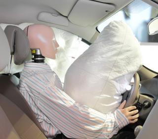 Crash Text Dummy mit Airbag