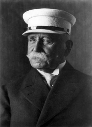 Porträtaufname des Grafen Zeppelin