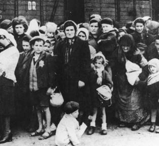 Ankunft ungarischer Juden im Konzentrationslager Auschwitz