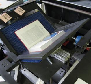 Buchscanner mit Buchwiege