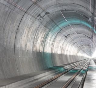 Tunnelröhre des Gotthard-Basistunnels bei Bodio