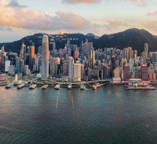Blick über den Victoria Harbour auf Hong Kong Island