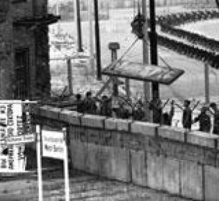 Bau der Mauer im Jahr 1961