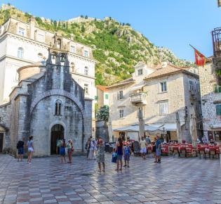 Straßenszene in der Altstadt von Kotor