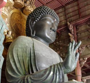 Bronzefigur des Vairocana im Todai-ji, Nara, Japan