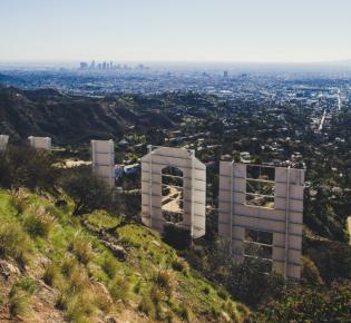 Blick vom Hollywood Sign in Richtung Downtown Los Angeles