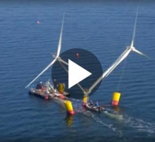 Mobile Windkraftanlage im Schlepp