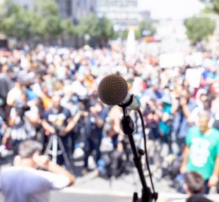 Symbolbild Massenprotest