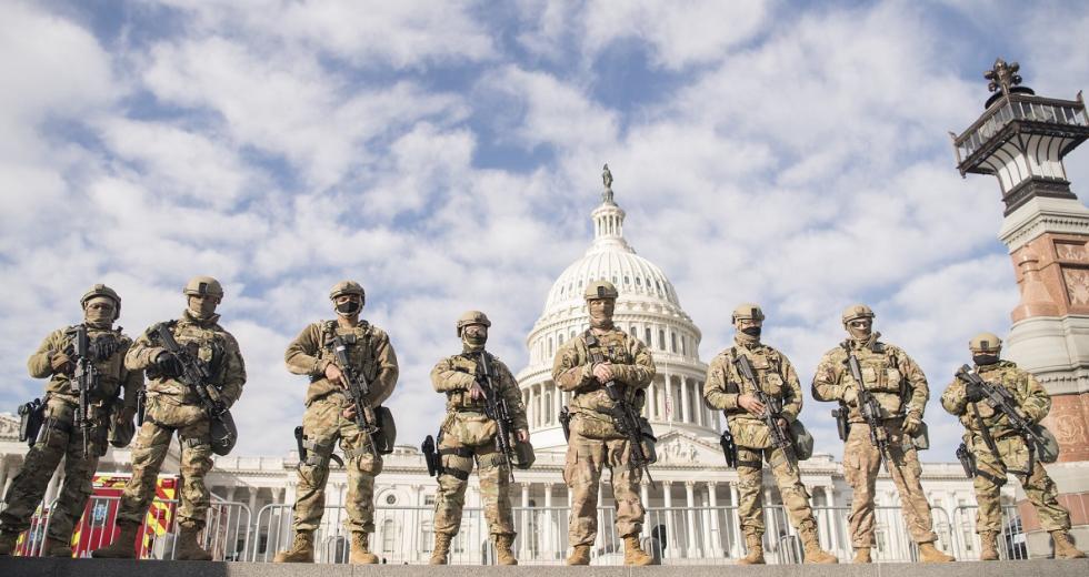 Virginia National Guard Airmen der 192nd Security Forces Squadron vor dem Kapitol