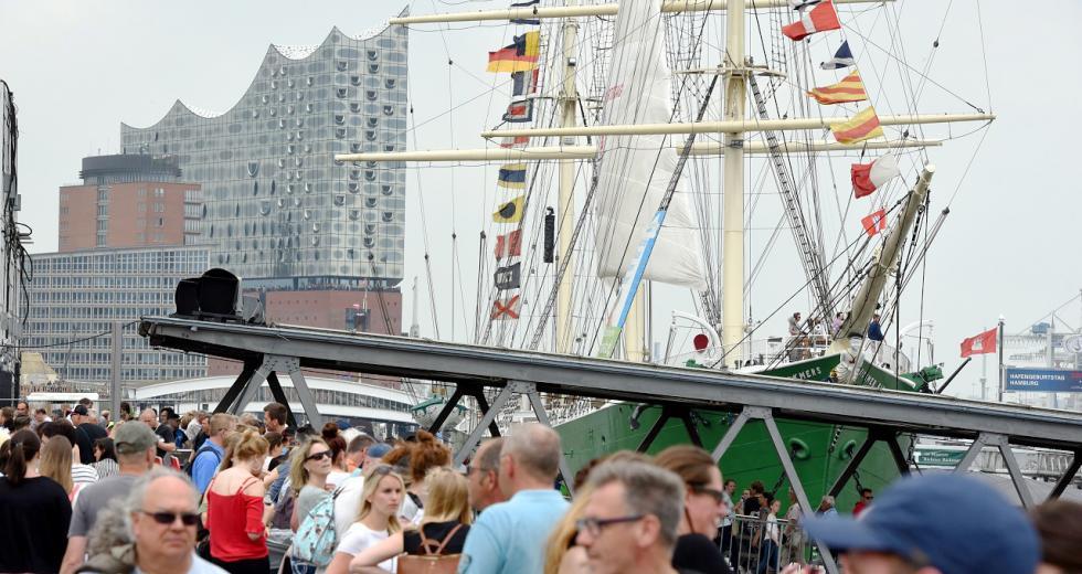 Hamburger Hafengeburtstag 2018 mit Rickmer Rickmers und Elbphilharmonie