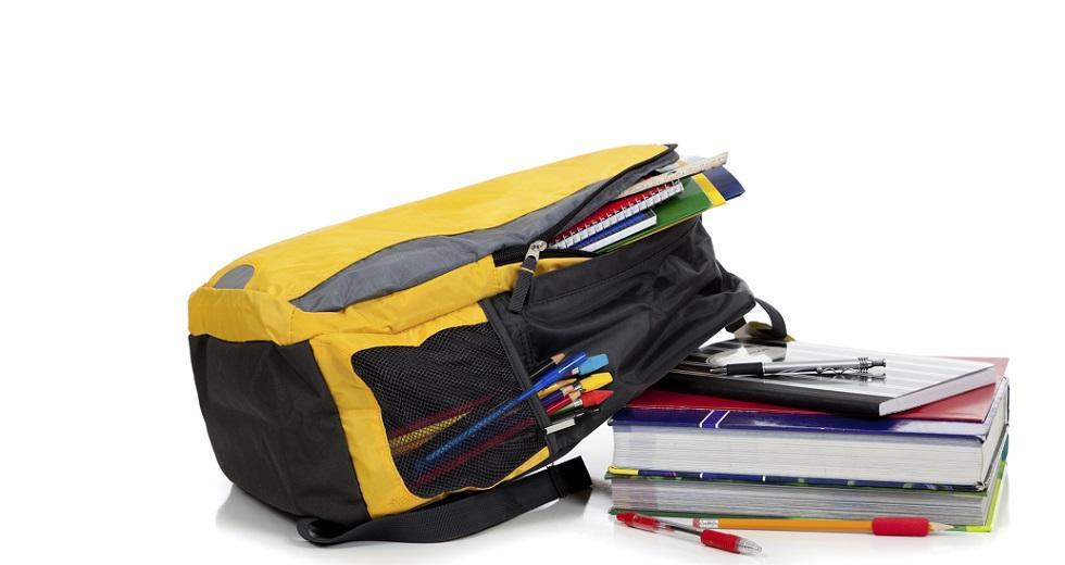 Backpack mit Schulutensilien