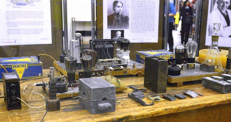 Versuchsaufbau des Hahn-Meitner-Kernspaltungsexperiments