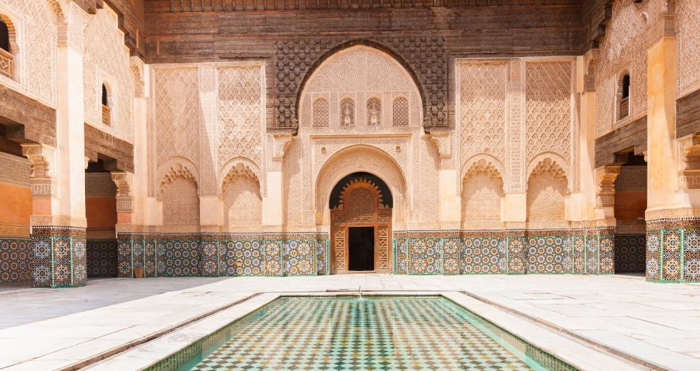 Hof der Ali Ben Youssef Madrassa in Marrakesch