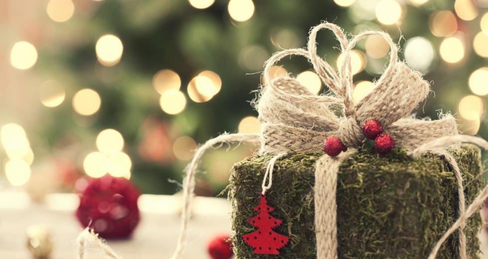 Weihnachtsgeschenk in Öko-Verpackung