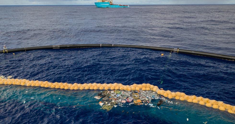 Plastikkamm des Projekts The Ocean Cleanup