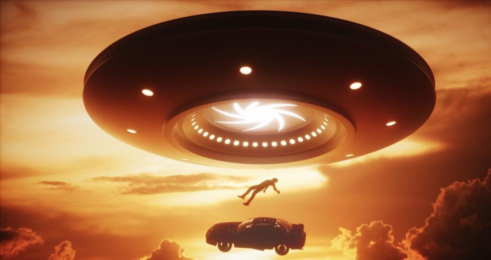 UFO beim Entführen eines PKWs samt Fahrer
