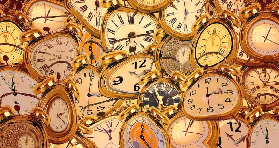 Mehr oder weniger verformte Uhren