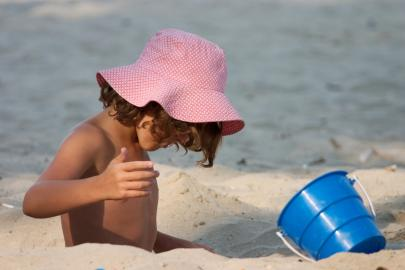 Wird die Ozonschicht dünner, treffen mehr gefährliche Strahlen auf die Erdoberfläche