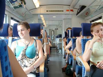 Unterwegs im Zug in Deutschland
