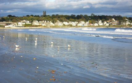 Newport, 2nd beach: Blick auf St. George's