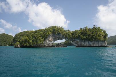 Natürliche Brücke auf den Palauinseln