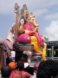Geschmückter Ganesh während des Ganapati Festes in Indien