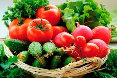 Gurken und Tomaten